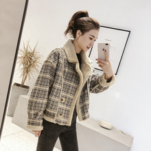 Small grain, short coat, female autumn winter 2018 new style, antique, plaid, loose collar and velvet jacket.