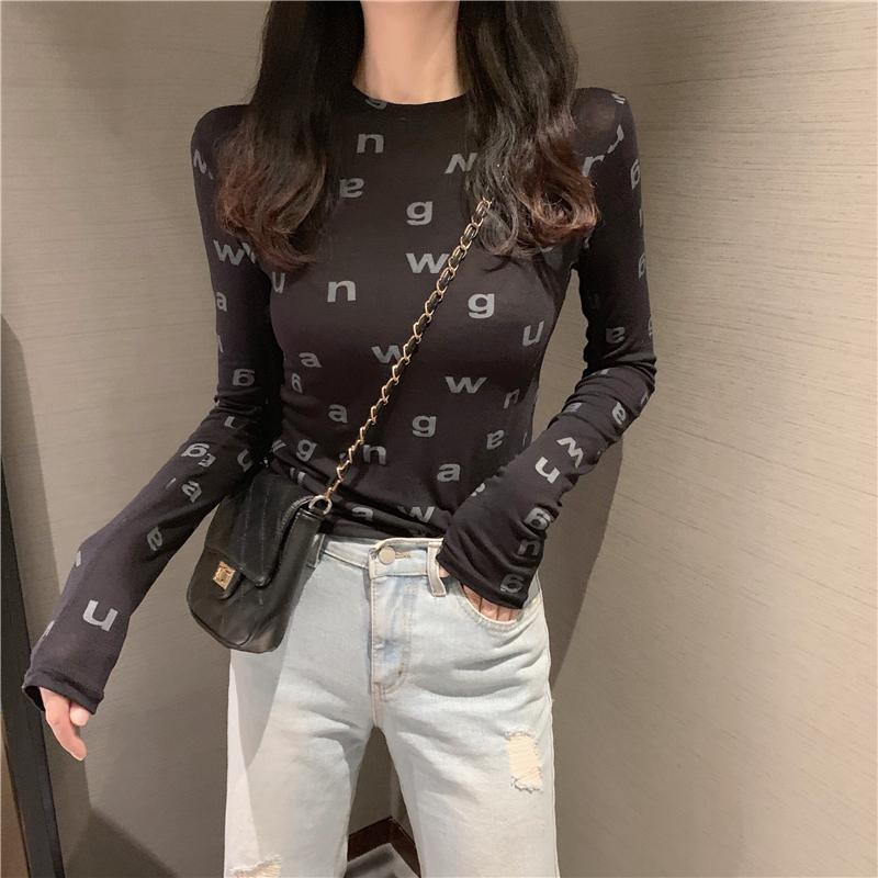 Spring 2021 black letter long-sleeved slim t-shirt Korean version of the fashionable air jacket with a t-shirt girl