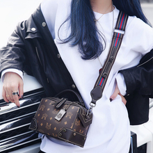 New style of inclined bag lady's bag, wide shoulder strap, autumn strap and INS fashionable single shoulder bag lady's handbag