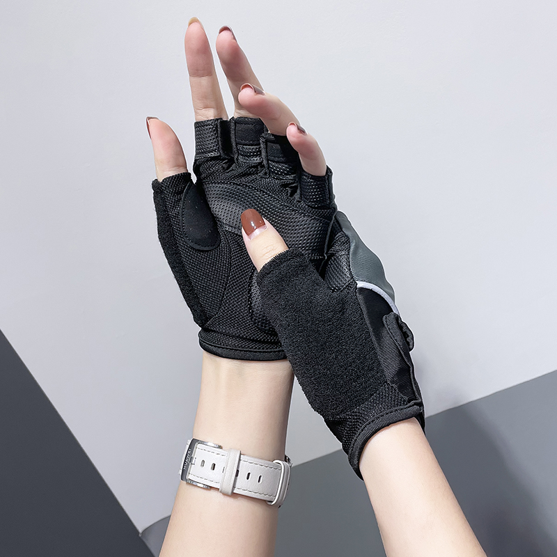 Fitness girl sports gloves anti-slip half-finger guard equipment training dynamic bike yoga anti-net red