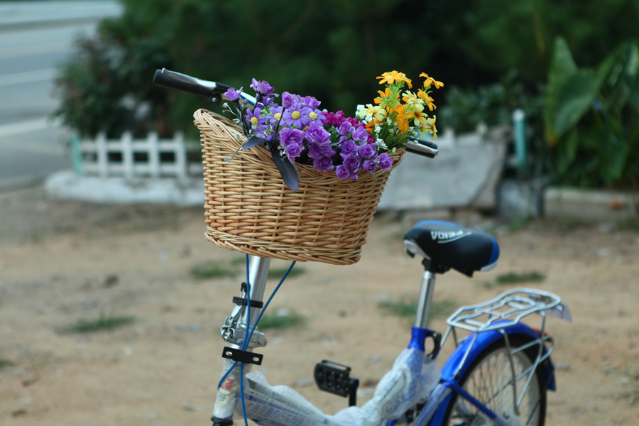 Willow-woven bicycle baskets with rattan knitting and wicker knitting, front baskets, electric bicycle baskets, portable bicycle baskets, folding bicycle baskets