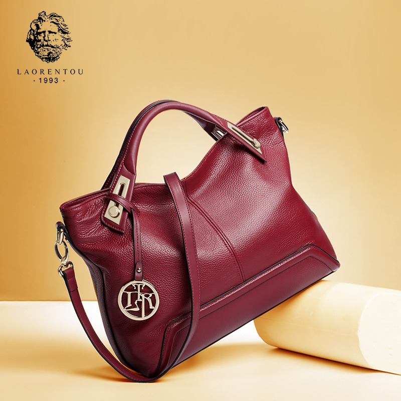New fashionable leather handbag with shoulder slanting large lady's middle-aged mother's bag
