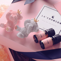 Lachanson cute couple shy bear gift box fragrance set ins out of the air long-lasting car decoration fragrance.