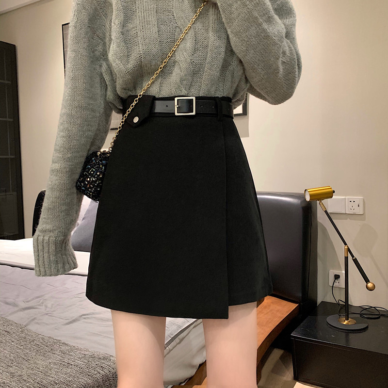 Black woolen skirt female autumn and winter short skirt 2020 new high waist A-line skirt bag hip all-match thin skirt