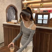 Fenchy irregular fake two-piece long sleeve T-shirt female 2021 autumn and winter New slim cut-off shoulder inside base shirt top