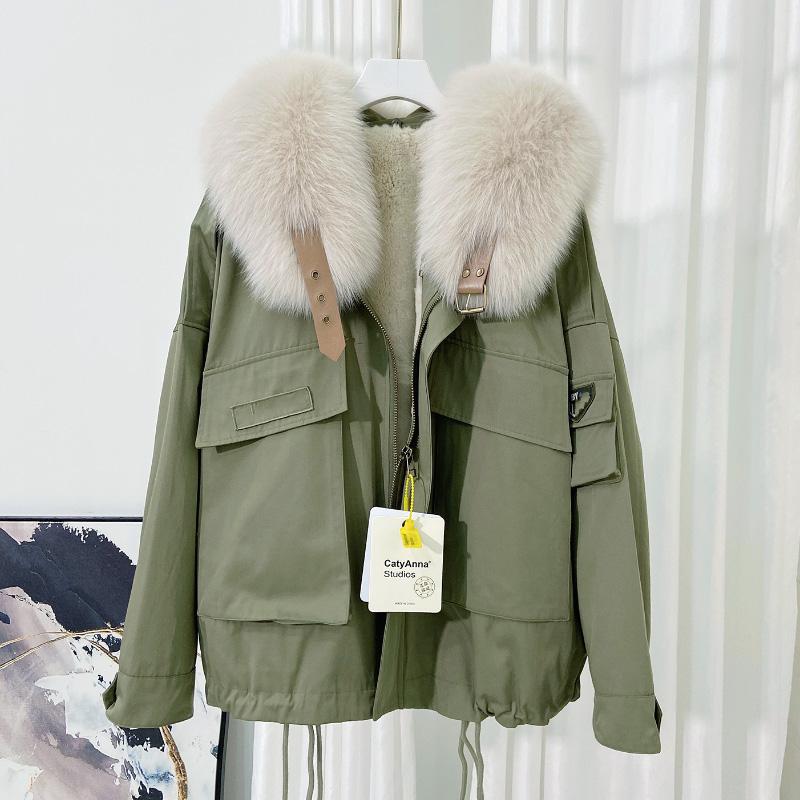 Pai overcomes the tide of womens navy collar 2020 winter new short-style workwear Rex rabbit fur inside the bile fox fur collar fur coat