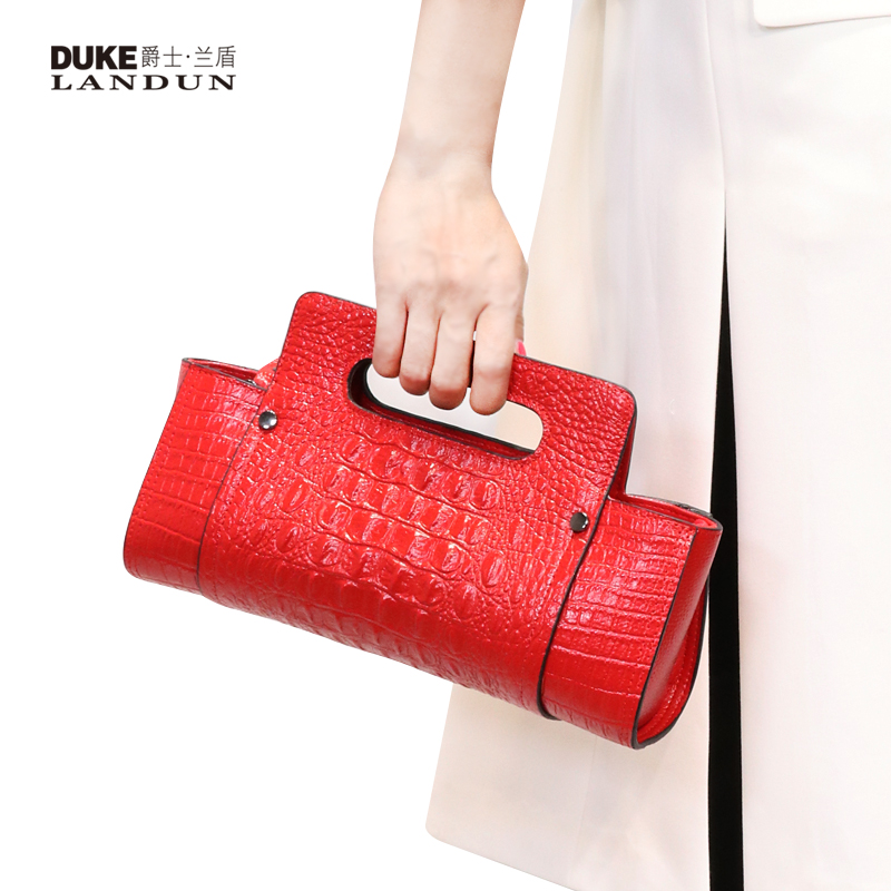 2018 new fashion portable handbags small bag crocodile pattern female handbag leather clutch bag female European and American tide