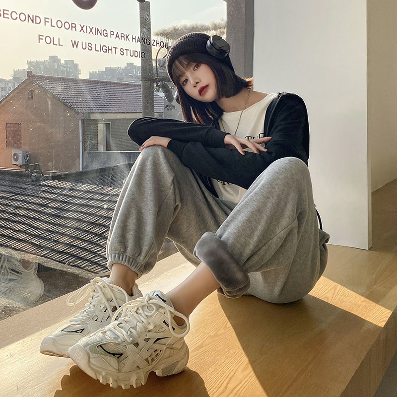 Grey plush sweatpants womens loose-fitting fall winter 2020 new models also wear thick and thin leggings