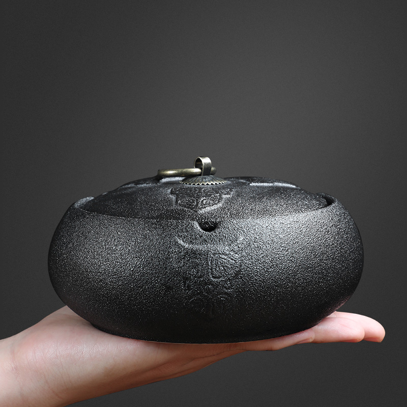 Xin Fulong crude ceramic ashtray home living room with a lid anti-flying ash has a cover black pottery ashtray office simple Chinese