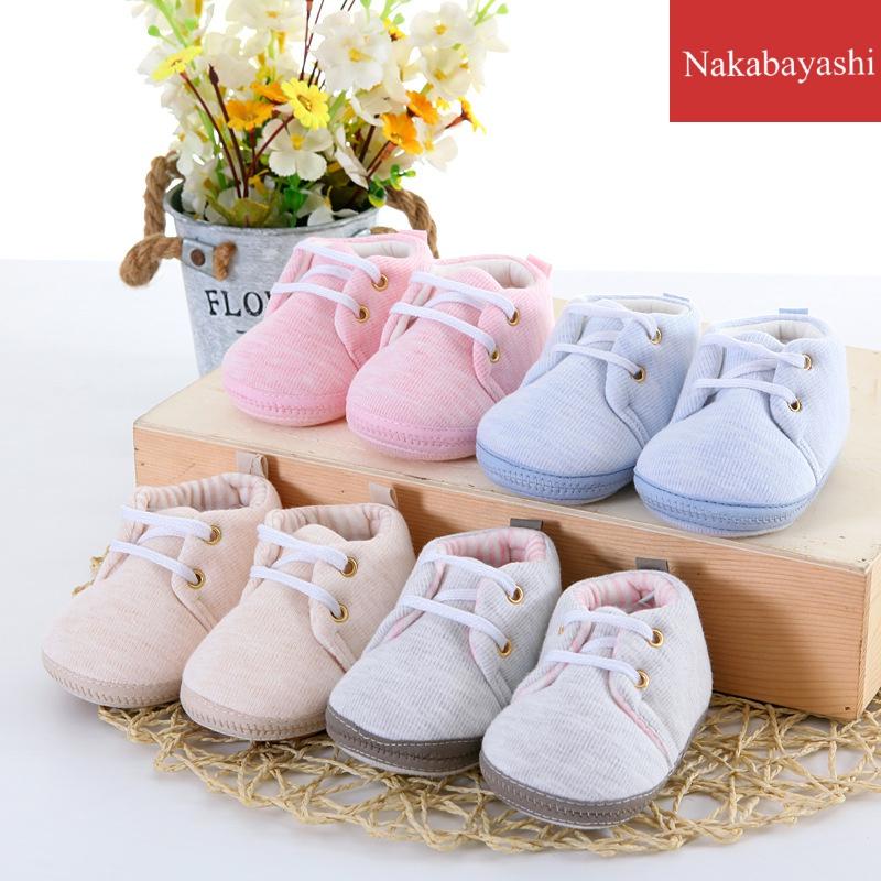 婴儿鞋子春秋款宝宝布鞋0-6个月防掉新生儿软底步前鞋卡通满月鞋