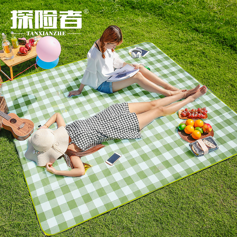 Picnic mat moisture-proof mat thick field picnic outdoor mat portable waterproof outing picnic cloth net red ins wind