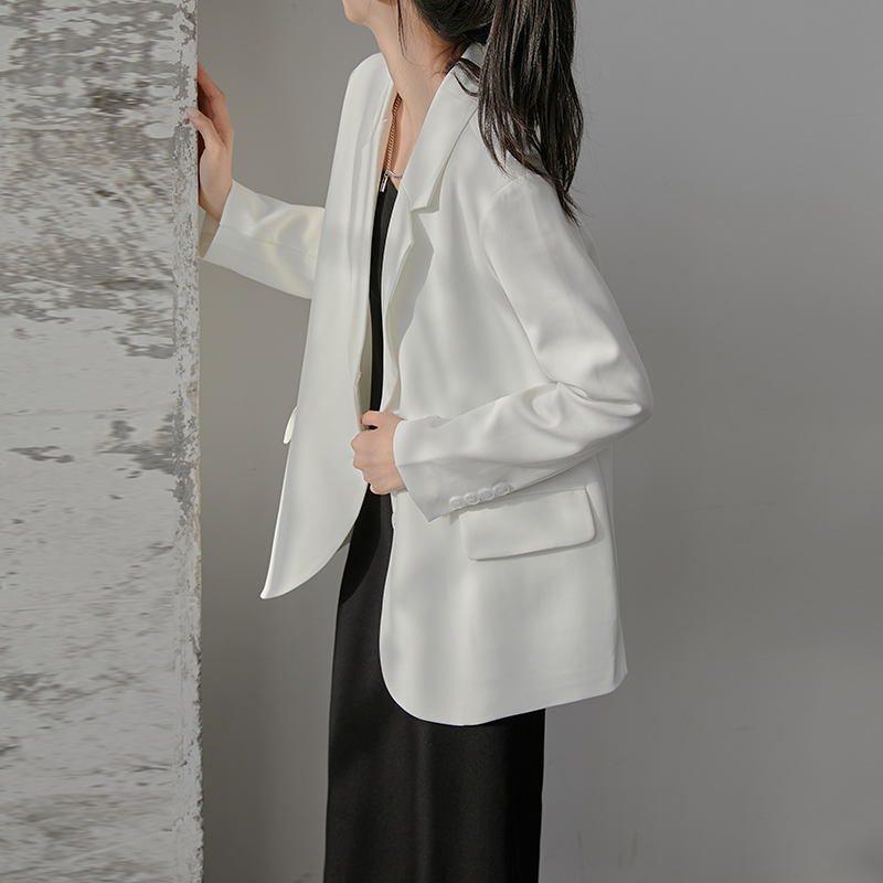 White blazer Female spring and autumn Korean version of the student British style casual temperament design sense small small suit