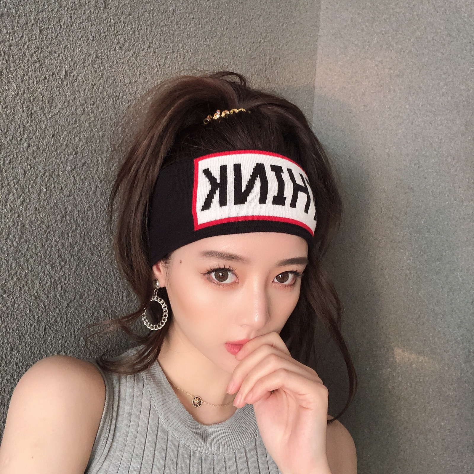 French net red fashion 髮 decorated autumn and winter black knitted wool wide 髮 with elastic 髮 hoop sports knitted tiara tide
