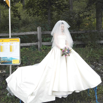 The same long tail to the Princess Satin was thin Europe and the United States Court wedding dress