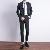 Slim Korean version of the British style of youth leisure suit