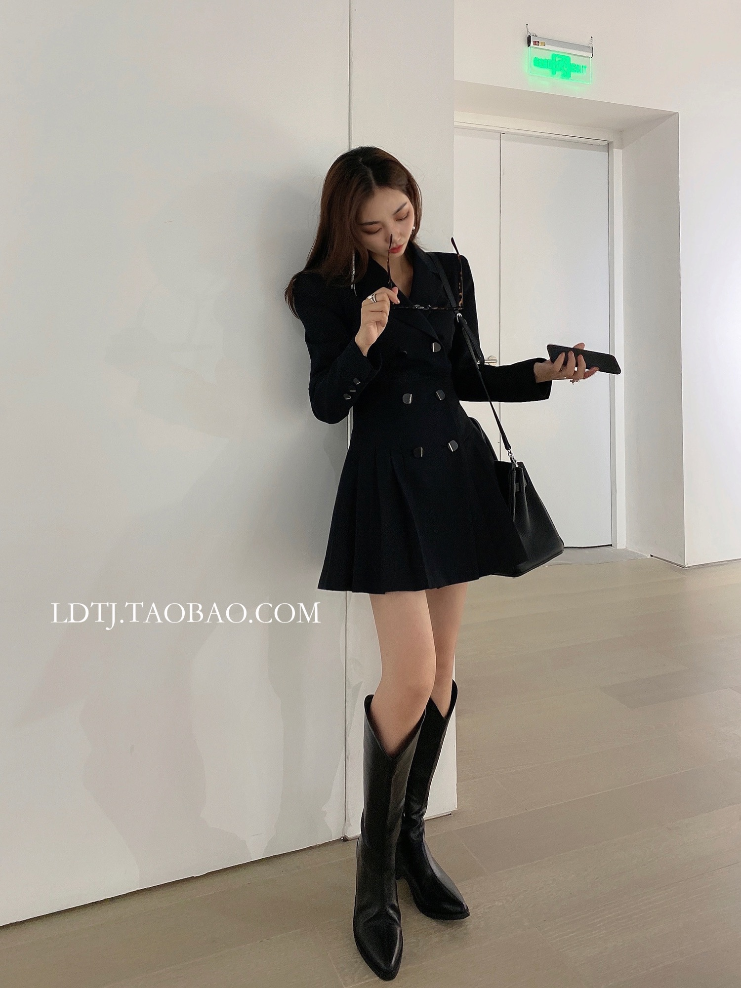 LDTJ Xu Ruichi Gao Wenying thin pleated suit skirt 2021 winter and spring new black waist dress short girl