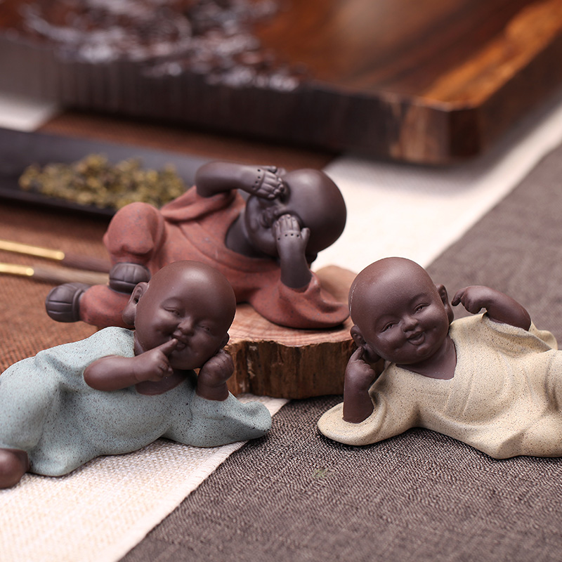 Colored sand pottery tea favorite piece accessories purple sand cute Buddha do not listen not to see do not say three not small monk