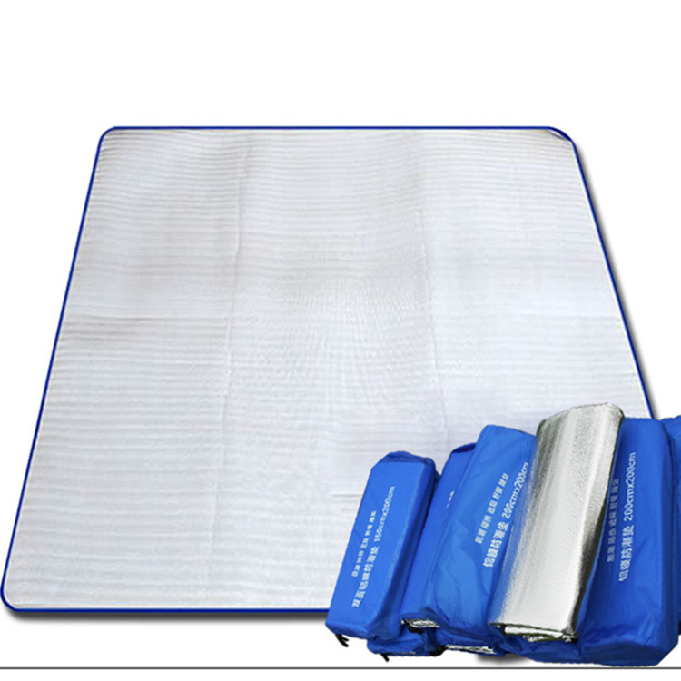 Outdoor double tent moistureproof mattress 2 m oversize double-layer aluminum mattress widening waterproof 3-4 person beach mattress picnic mattress