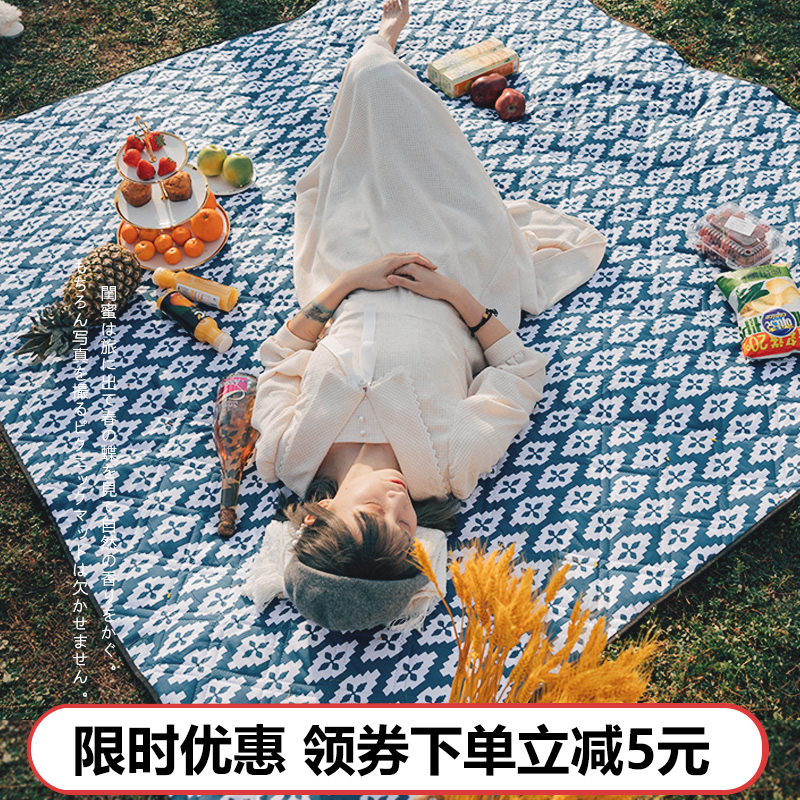 Picnic mat moisture-proof mat thickened field picnic cloth outdoor mat picnic spring tour waterproof outing portable ins wind