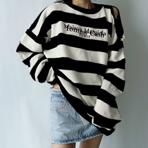 Poison family MM6 sweater men and women TommyCash Magira joint Yang Mi Song Zuer with the same hole stripes