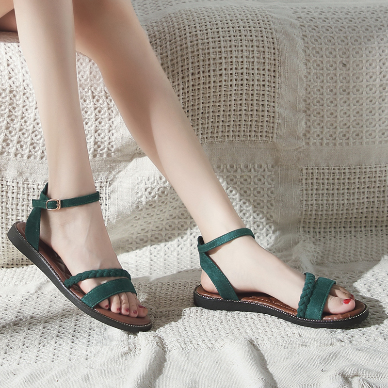 Roman sandals 2018 new female summer Korean fashion wild chic word buckle with open toe flat female shoes
