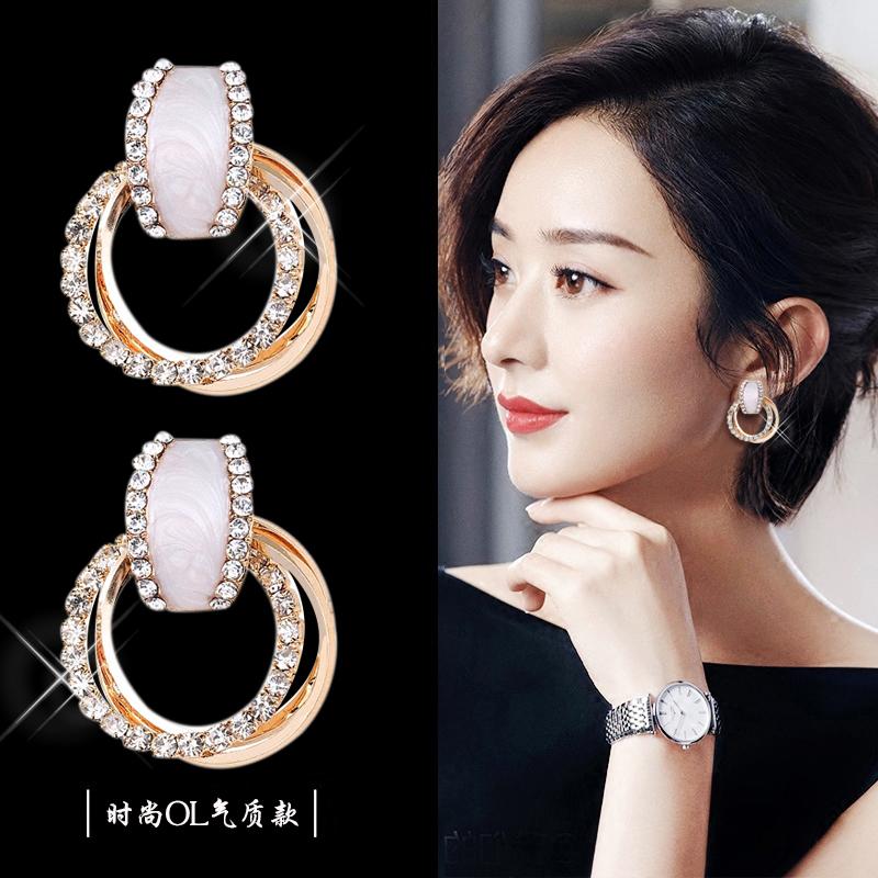 Korean round earrings female goddess Fan Chun-yin anti-allergy earrings 2021 new trendy high-end earrings