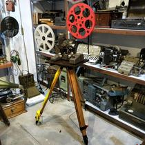 Wooden tripod Wooden tripod Various movie machine projector with vintage wooden tripod with snow chains