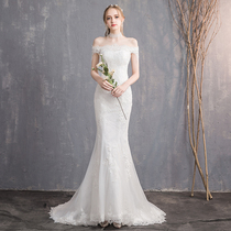 Fish tail Wedding Show thin simple one word shoulder small drag tail wedding dress