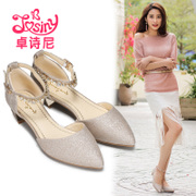 Josini in the spring of 2017, a new type of shallow single shoes with a pair of women's shoes in Baotou