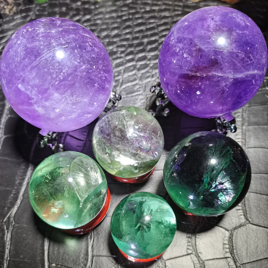 Natural green fluorite ball ornament green crystal feng shui transfer ball five lines of wood home decoration craft gift decoration