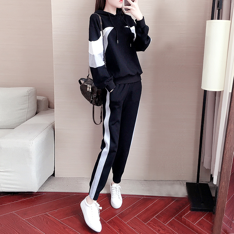 European station spring sports suit womens 2020 Korean version of casual fashion relaxed student autumn dress two-piece set