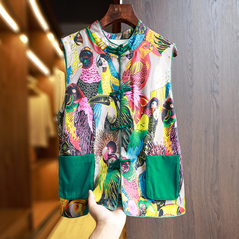 Silk vest vest 2021 summer new vintage satin print Chinese style disc buckle modified Chinese womens top