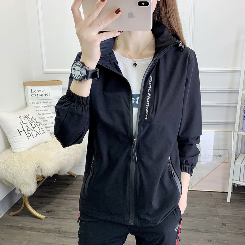 Outdoor stormtrooper womens spring and autumn big code spring model 2021 new coat mens thin single-layer movement