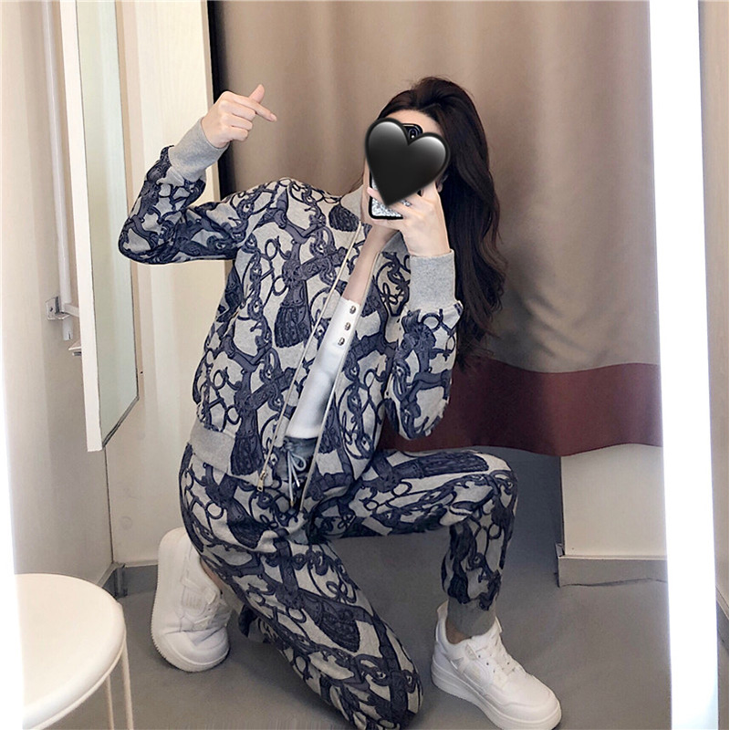 Fashion age-reducing yangpai port wind suit 2020 new womens ancient chiic sports thick cotton pants two-piece set of autumn and winter clothes