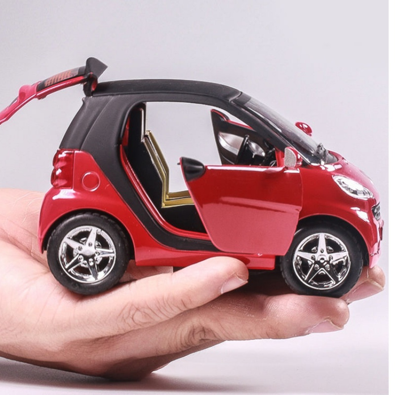 Children and boys cute toy car model Mercedes SMART alloy model fun simulation echo light