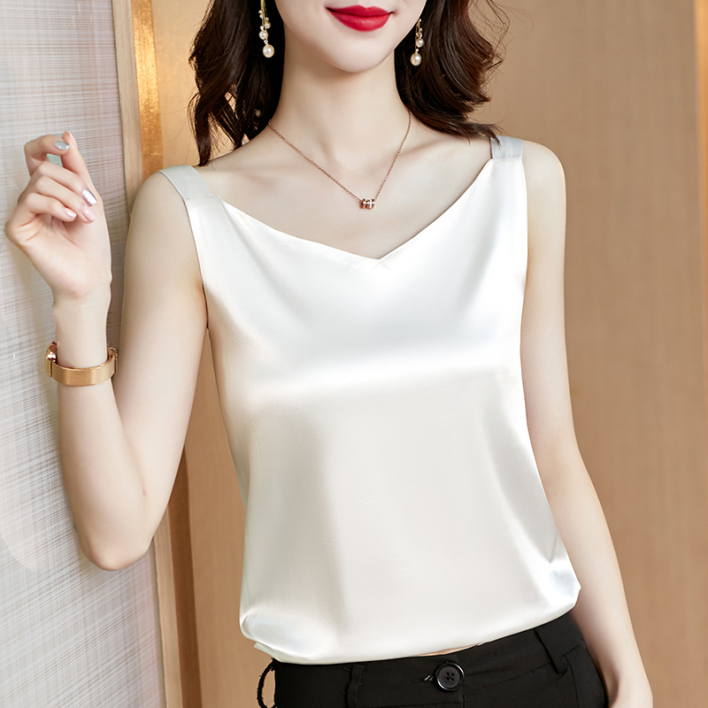 Silk sling vest inside the woman with a suit white black bottom satin silk silk top small summer v-neck