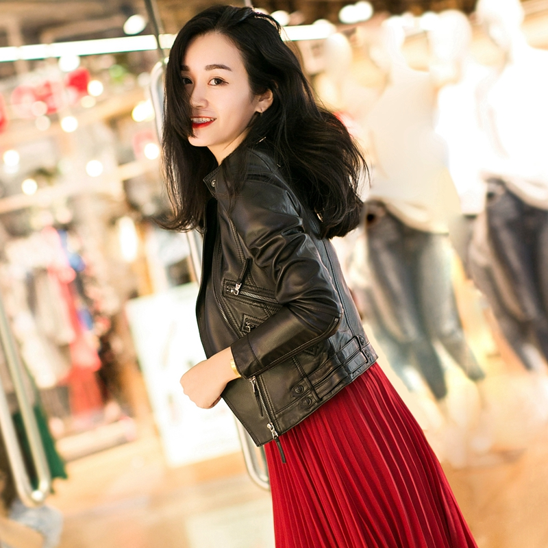 2021 new spring small leather leather female short locomotive sheep fashion spring and autumn jacket leather jacket Haining