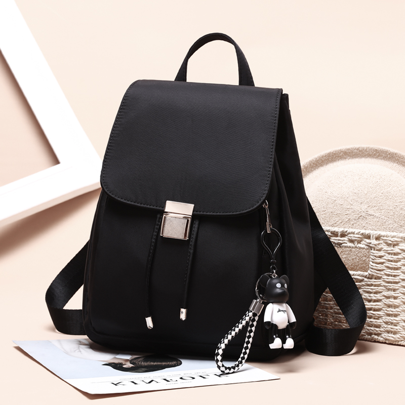 Oxford cloth shoulder bag female 2018 new Korean version of the tide fashion wild casual bag travel canvas small backpack