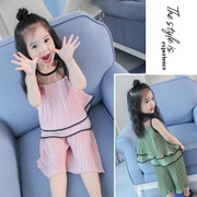 A 3 year old female baby suit 1 4 Girls Summer 2017 new tide two sets of 5 children wear western style summer.